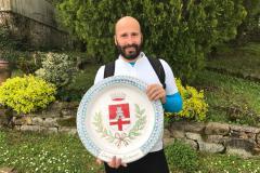 """Un """"piatto"""" delle Ceramiche Innocenti con lo stemma di Pontassieve presto nella Galleria del Santuario di Montenero"""