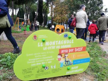 11 novembre 2018. Pontassieve, inaugurato il rinnovato giardino che da oggi ospita nuovi giochi inclusivi per tutti i bambini e il tendone da circo per attività sportive e circensi
